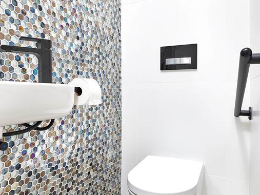 Bathroom renovation Errol St