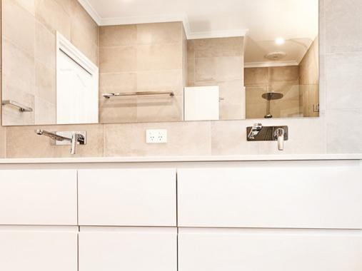 Bathrooms in Stradbroke Rd